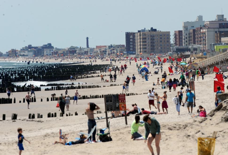 nyc beach  u2013 far rockaway returns to the people for fun